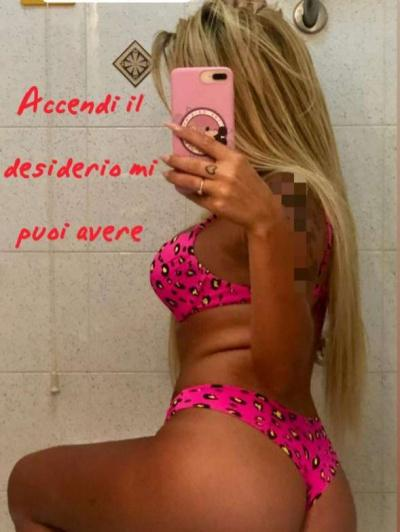 Escorts Donne debora b (aversa)